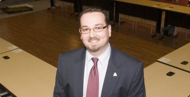 Jonathan Zur, '03